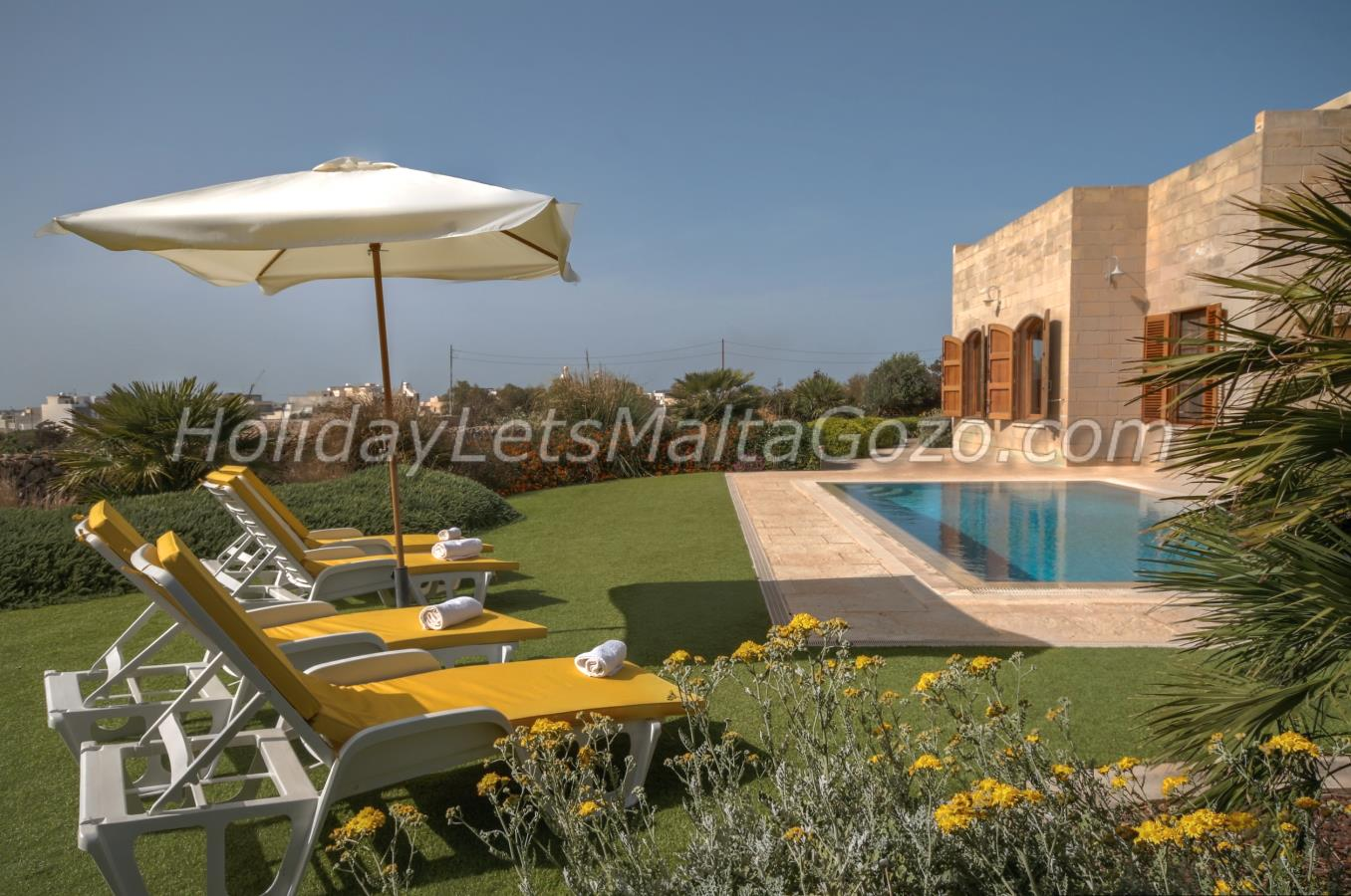 A Lovely Garden with private pool