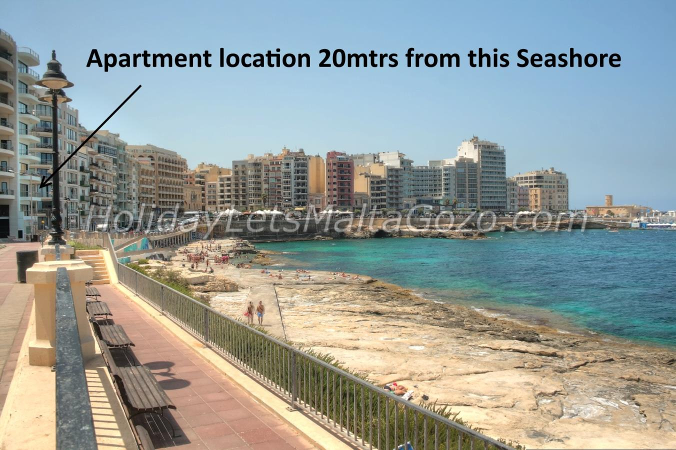 Apartment location 20mtrs from Seashore